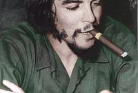 """قبل لحظات من إعدام غيفارا سأل عما إذا كان يفكر في حياته والخلود. أجاب: """"لا أنا أفكر في خلود الثورة."""""""