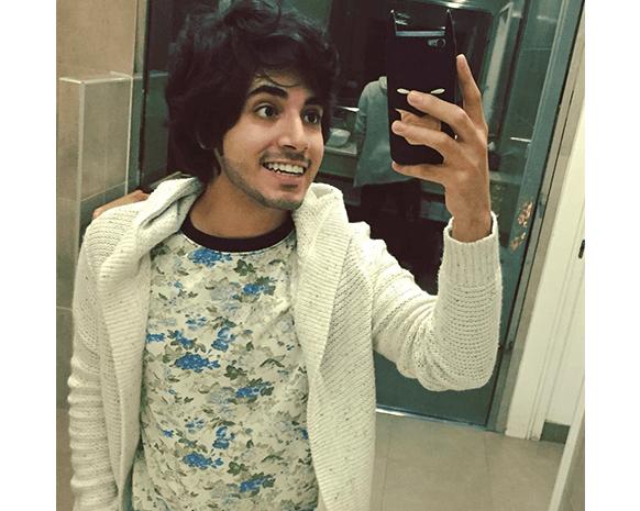 بدر خلف، منسق ملابس ومدون جمال حسب ما عرف نفسه على حسابه على تويتر