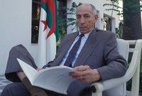 رفض سياسات النظام الجزائري بعد الاستقلال فحُكم عليه بالإعدام بتهمة التآمر على الدولة
