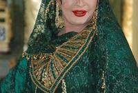 بدأت التمثيل وعمرها 25 عامًا من خلال المسرح، وانطلقت بعد ذلك لتشارك في أعمال فنية عبر التليفزيون، وكانت بدايتها الحقيقة في الدراما بمسلسل الموذي عام 1999.