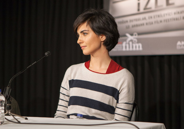 توبا بويوكستون ممثلة تركية من مواليد 5 يوليو 1982