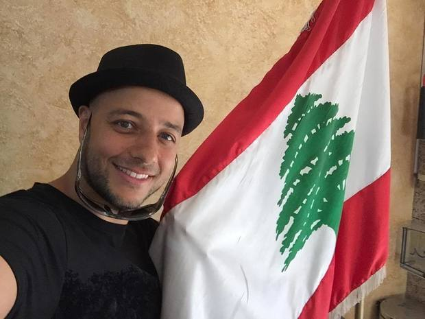 ولد ماهر زين في الـ 16 من يوليو عام 1981 في طرابلس بلبنان، هاجر مع أسرته إلى السويد بعمر الـ 8 أعوام بعد طلبهم اللجوء السياسي إليها بسبب الحرب الأهلية