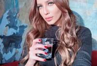 استجاب الديوان الملكي البحريني لدعوات والدها لمعالجتها في أسرع وقت ممكن ليتم نقلها للخارج لتلقي العلاج على نفقة وزارة الصحة البحرينية