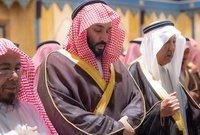 ولي العهد السعودي الأمير محمد بن سلمان يشارك في صلاة الجنازة