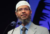 يعد د.ذاكر نايك أشهر داعية إسلامي في العالم من أبرز تلامذته كما أنه يمتلك تلامذة بالعشرات تربوا في مدرسته