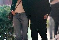 كاميرون ديار الآن متزوجة من عازف الجيتار والمغني بينجامين مادن ويظهران سويًا في الكثير من المناسبات