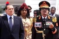 كان أشهر تلك الأزياء زيه العسكري الذي كان عليه صور للمناضل الليبي عمر المختار في زيارته لإيطاليا التي قاد المختار النضال ضدها في فترة احتلالها لبلاده