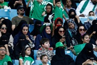 """مستدركًا: """"لكنها لا تقضي بصورة خاصة بارتداء العباءة أو غطاء الرأس الأسود، والقرار يعود بشكل تام إلى النساء في ما يتعلق بلباسهن"""" كما أصبح من حق المرأة السعودية، دخول الملاعب الرياضية وحضور مباريات كرة القدم"""