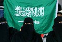 """ومن بين الانتصارات التي حصلت عليها المرأة السعودية، قرار وزارة العدل بإلغاء """"بيت الطاعة"""" وهو النظام الذي كان يسمح بإجبار الزوجة على العودة لبيت زوجها، وأصبح للمرأة اختيار الطلاق أو الخلع في حال رفضت العودة لبيت الزوجية."""