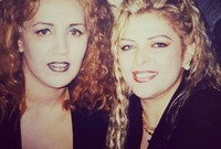 """هاجرت إلى مصر منتصف التسعينيات لتلتقى بالموسيقار هاني مهنى الذي أنتج لها ألبومين هما """"وحياتي عندك"""" و""""أسهر مع سيرتك"""" اللذان زادا من شهرتها في مصر والوطن العربي"""