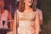 """استثمرت ذكرى نجاحها الغنائي فأطلقت ثلاثة ألبومات أخرى هم """"الأسامي""""، و""""يانا""""، و""""يوم عليك"""" الذي كان آخر ألبوماتها"""