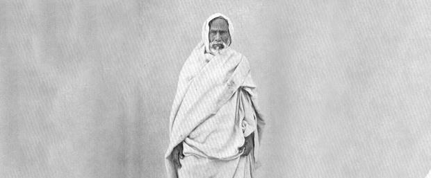 ولد عمر المختار في منطقة البطنان ببرقة بالجبل الأخضر في ليبيا عام 1862  وهو ينسب إلى أحد أكبر قبائل المرابطين بمدينة برقة التي تعد أحد أكبر المدن الليبية