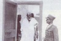 أقيمت محاكمة هزلية له بعد أيام من القبض عليه حيث لم تتاح له فرصة الدفاع عن نفسه وتم إصدار حكم بإعدامه شنقًا حتى الموت من قبل السلطات الإيطالية