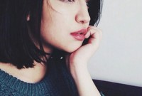 """أثارت """"زين"""" جدل كبير على مواقع التواصل الاجتماعي بسبب ملامحها الأوروبية، برغم انها خليجية الا انها لا تشبه الملامح الخليجية، كما انها متأثرة بالموضة الغربية في طريقة ملابسها وتسريحة شعرها ومكياجها"""