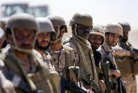 كما يمتلك قوات احتياط تبلغ 300 ألف جندي
