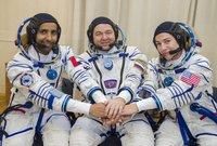ومن المقرر أن يصعد هزاع إلى المحطة الفضائية الدولية بصحبة رائدة الفضاء الأميركية جيسيكا مير، والروسي أوليغ سكريبوشكا، في مهمة مدتها ثمانية أيام