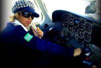 لم يتوقف الأمر هنا.. فبعد تحقيق حلم المرأة السعودية بقيادة السيارة، تم إصدار 5 رخص لسيدات سعوديات تسمح لهن بالعمل كابتن لقيادة طائرات شركات الطيران