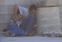 سمع الأب والابن فجأة دوي إطلاق نار من قبل القوات الإسرائيلية فاحتميا خلف برميل إسمنتي بأحد الجدران لتفادي الطلقات النارية في مشهد سيكون المشهد الأشهر في تاريخ القضية الفلسطينية