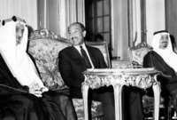 قام أيضا الملك فيصل بدعوة حكام الخليج بالإنضمام إليه في مبادرة حظر البترول فانضمت إليه الإمارات والكويت والبحرين وقطر