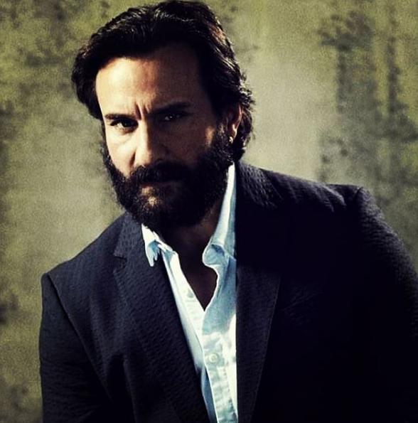 اسمه الحقيقي ساجد منصور على خان، لكنه غير اسمه إلى سيف عندما دخل عالم التمثيل، وهو من مواليد 16 أغسطس عام 1970