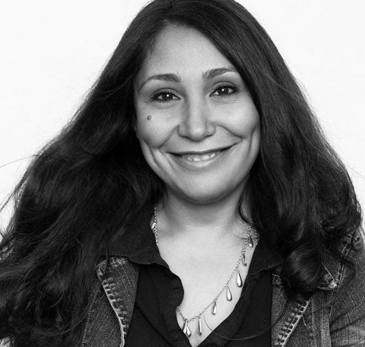 كاتبة ومخرجة سعودية ولدت في المنطقة الشرقية بالسعودية عام 1974