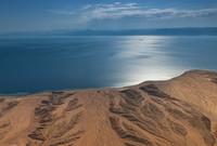 تتميز منطقة نيوم بمساحتها الكبيرة حيث تقع على مساحة 26 ألف كم2 وتطل من الشمال والغرب على البحر الأحمر وخليج العقبة  