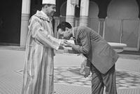 تم تنصيبه ملكًا على المغرب عام 1961 ليصبح ثاني ملكٍ لها بعد نيلها للاستقلال