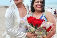 صور خاصة لبريانكا مع والدتها