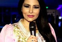وصب عدد كبير من الجمهور والمتابعين غضبهم على الإعلامية بسبب عدم تناسب أو ملائمة ملابسها لطبيعة المجتمع السعودي