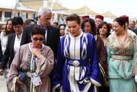 ورُزقا بـ بنتين؛ الأميرة أميمة (15 ديسمبر 1995)، والأميرة ولايا (20 أكتوبر 1997)