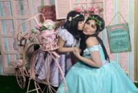 لقطات لها مع ابنتها ماريا