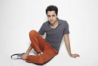تدرب على صناعة الأفلام في لوس أنجلوس، كما أنه درس الثانوية بالقرب من والده في كاليفورنيا