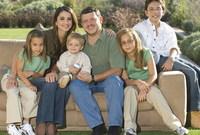 صور لهما مع أبنائهما