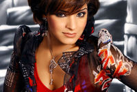 والدها كان عازفًا للعود وشقيقاتها الممثلتان (مي) و(هند البلوشي)