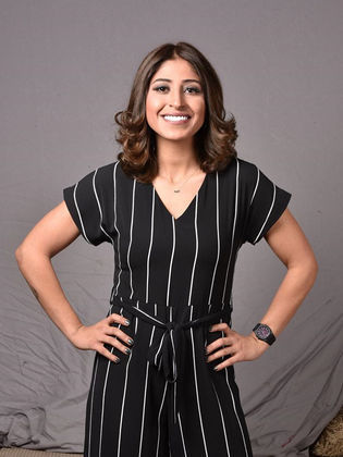 شجون الهاجري ممثلة ومذيعة كويتية من مواليد 8 فبراير 1988