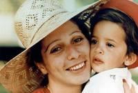 الأميرة هيا مع والدتها الملكة علياء، ملكة الأردن