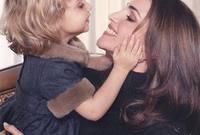 الملكة رانيا مع ابنتها