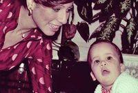 الملكة علياء الحسين مع طفلها الأمير علي بن الحسين