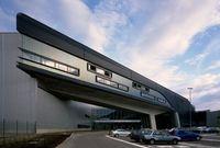 المركز الرئيسي لشركة BMW في ألمانيا: نال هذا التصميم عدة جوائز منها جائزة RIBA الأوروبية
