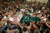 تم تشييع جثمانه في جنازة مهيبة في غزة شارك فيها أكثر من نصف مليون فلسطيني