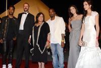 تزوجت مرتين، ولها أربع أبناء أكبرهم سوزان المتزوجة من عبد اللطيف ابن الفنان خالد العبيد وأصغرهم روزان