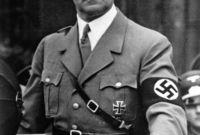 وكانت لديه رغبة ملحة في السيطرة على ألمانيا ثم السيطرة على العالم