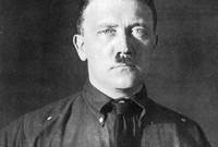 مات هتلر يوم 30 أبريل عام 1945