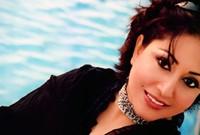 كانت البداية مشاركتها في مسابقة للغناء تسمى «أضواء المدينة» واحتلت فيها بالمركز الأول
