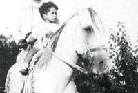 لأسباب صحية أجبره البرلمان الأردني على التنحي عن العرش، وبتنحيه انتهت ولايته، ليخلفه ابنه الحسين، ولكنه لم يتسلم الحكم مباشرة لأنه لم يكن قد بلغ 18 من عمره بعد.