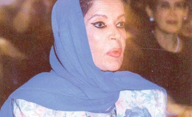 هداية سلطان السالم صحفية وكاتبة من مواليد الكويت عام 1936، وتوفيت في مارس 2001 وعمرها 65 سنة.