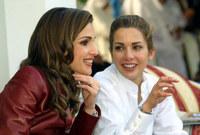 لقطة للأميرة هيا مع زوجة أخيها الملكة رانيا