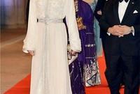 تزوجا علنًا وهو ما يشكل سابقة في تاريخ الأسرة المالكة بالمغرب