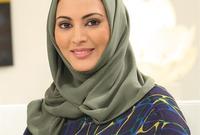 قضت طفولتها وسنوات دراستها الأولى متنقلة بين السعودية وأمريكا وماليزيا بسبب طبيعة عمل والدها الذي كان مفكرًا إسلاميًا شهيرًا