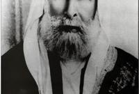 في عام 1916 أعلن الشريف حسين أمير الحجاز نفسه ملكًا على العرب وأعلن اعتبار نجد ضمن ملكه لينشب صراع بين الملك عبد العزيز والشريف حسين استمر عدة سنوات